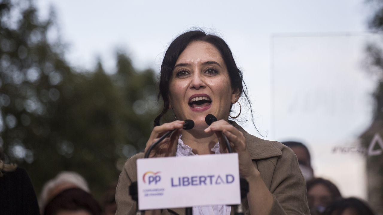 Isabel Díaz Ayuso, en un mitin en su barrio natal de Chamberí