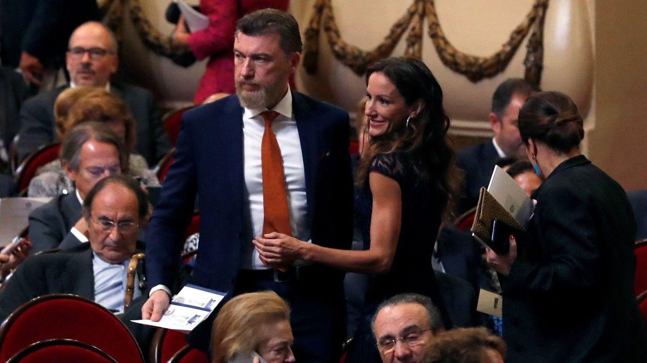 Sigue en directola llegada de Leonor a los Premios Princesa de Asturias 2019.Leonor, Sofia y los reyes saludan a presidentes de los jurados
