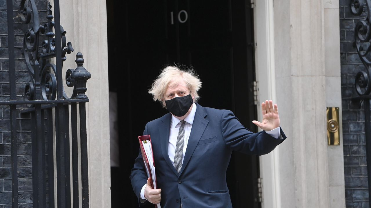 Gibraltar ensaya la nueva normalidad.Boris Johnson, a su salida el miércoles de Downing Street.