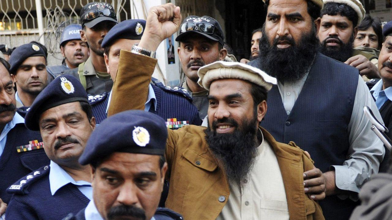 Zakiur Lakhvi, en una imagen de archivo en el 2015 mientras abandonaba el tribunal de Islamabad