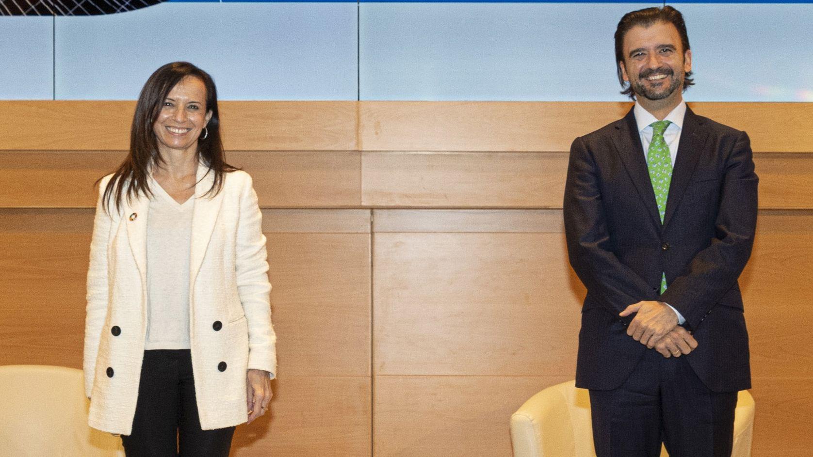 Beatriz Corredor, presidenta de REE, y Manuel García, director general de Política Energética