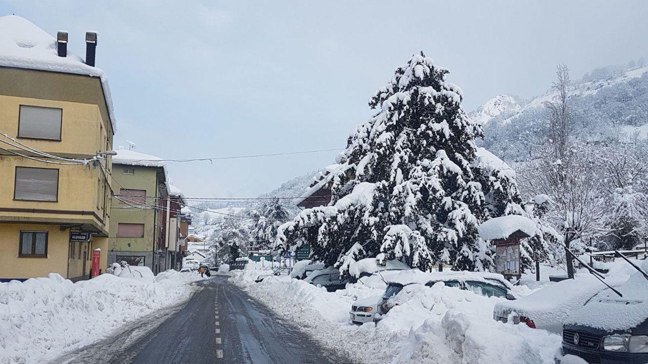 La carretera de San Isidro despejada tras el paso de la quitanieves