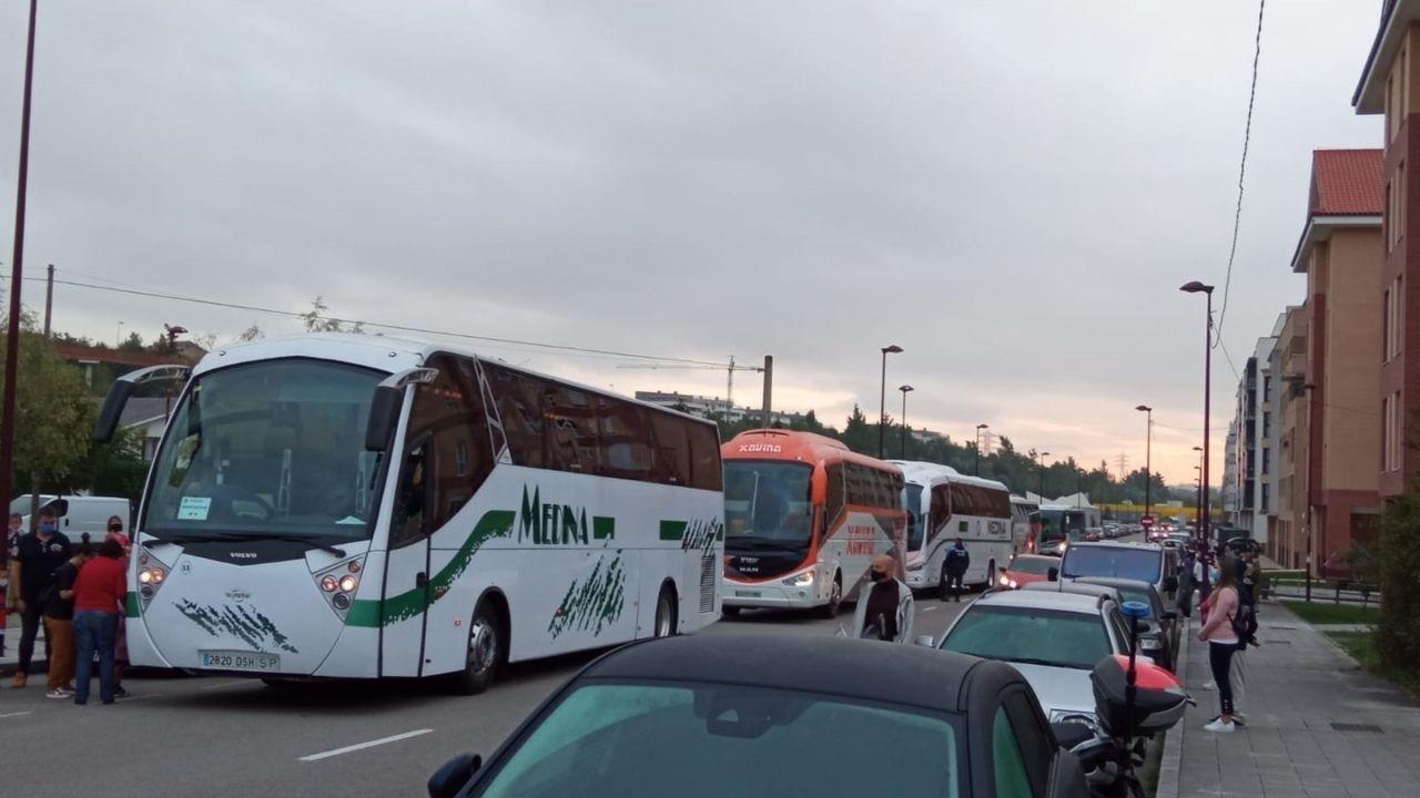 web ayuntamiento gijon nueva.Llegada de los autobuses escolares a Nuevo Roces