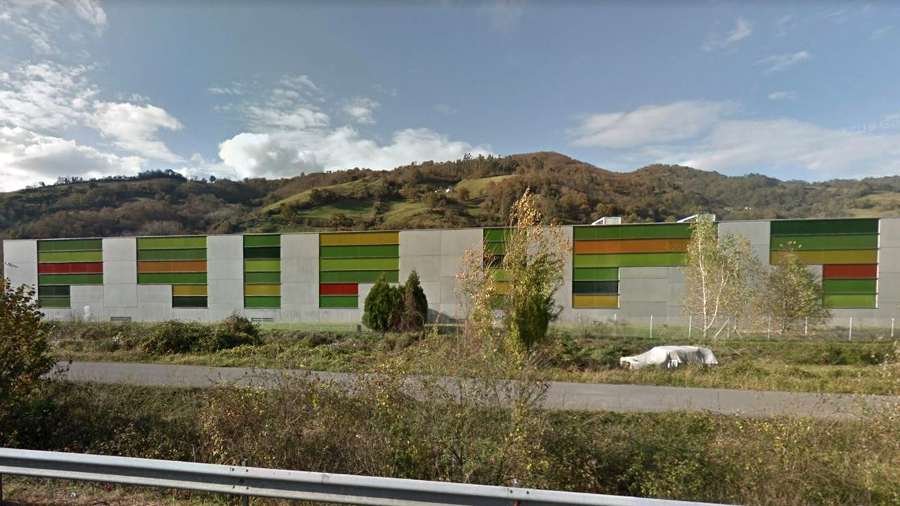 Fábrica de Rioglass, en el concejo de Lena