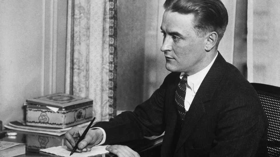 ¡Búscate en la fiesta de inauguración del estudio de interiorismo En las Nubes de Boiro!.F. Scott Fitzgerald