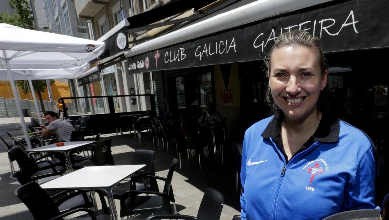 Así luce la fachada del número 9 de Linares Rivas en A Coruña.Vanesa Docampo, propietaria del bar Galicia Gaiteira.