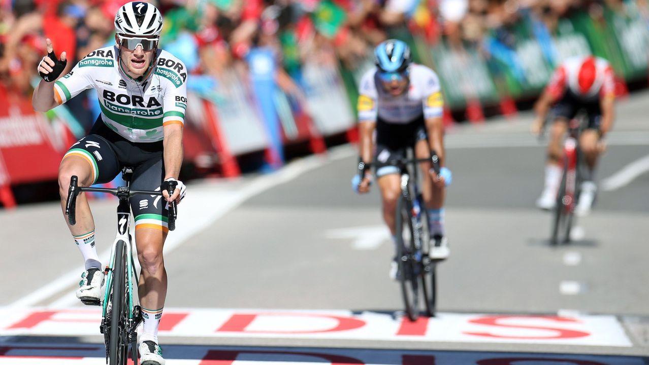 El ciclista irlandés del equipo Bora, Sam Bennett, se ha proclamado el vencedor de la decimocuarta etapa de la 74 Vuelta a España 2019, con salida en la localidad cántabra de San Vicente de la Barquera y meta en Oviedo, con un recorrido de 188 kilómetros.