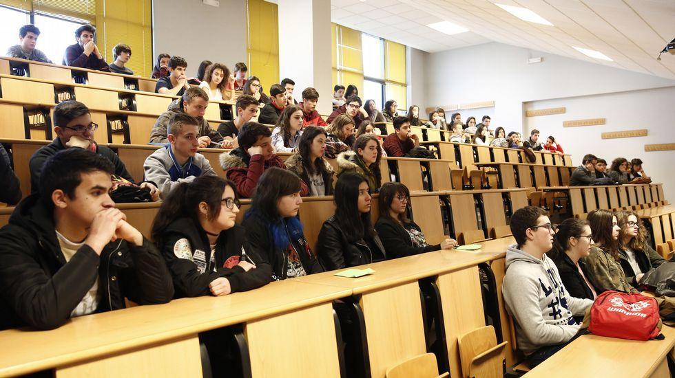 O campus de Ourense únese á celebración o 24 de febreiro do Día de Rosalía de Castro. Xose constenla cantautor