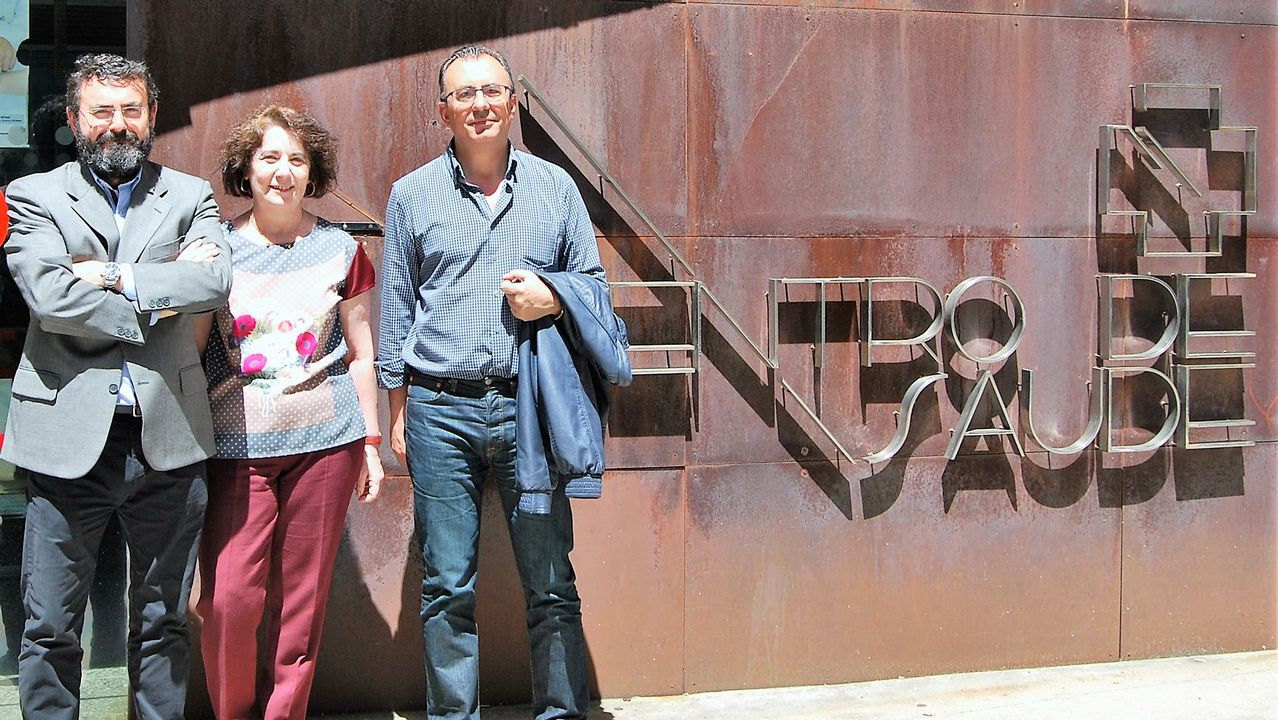 Los nuevos jefes de servicio de atención primaria: Roberto Devesa (Redondela), Rosa Piñeiro (Casco Vello) y José Ángel González (A Cañiza).