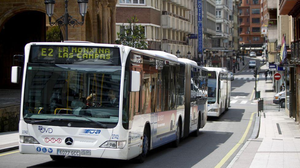 Un autobús del tranporte público de Oviedo.