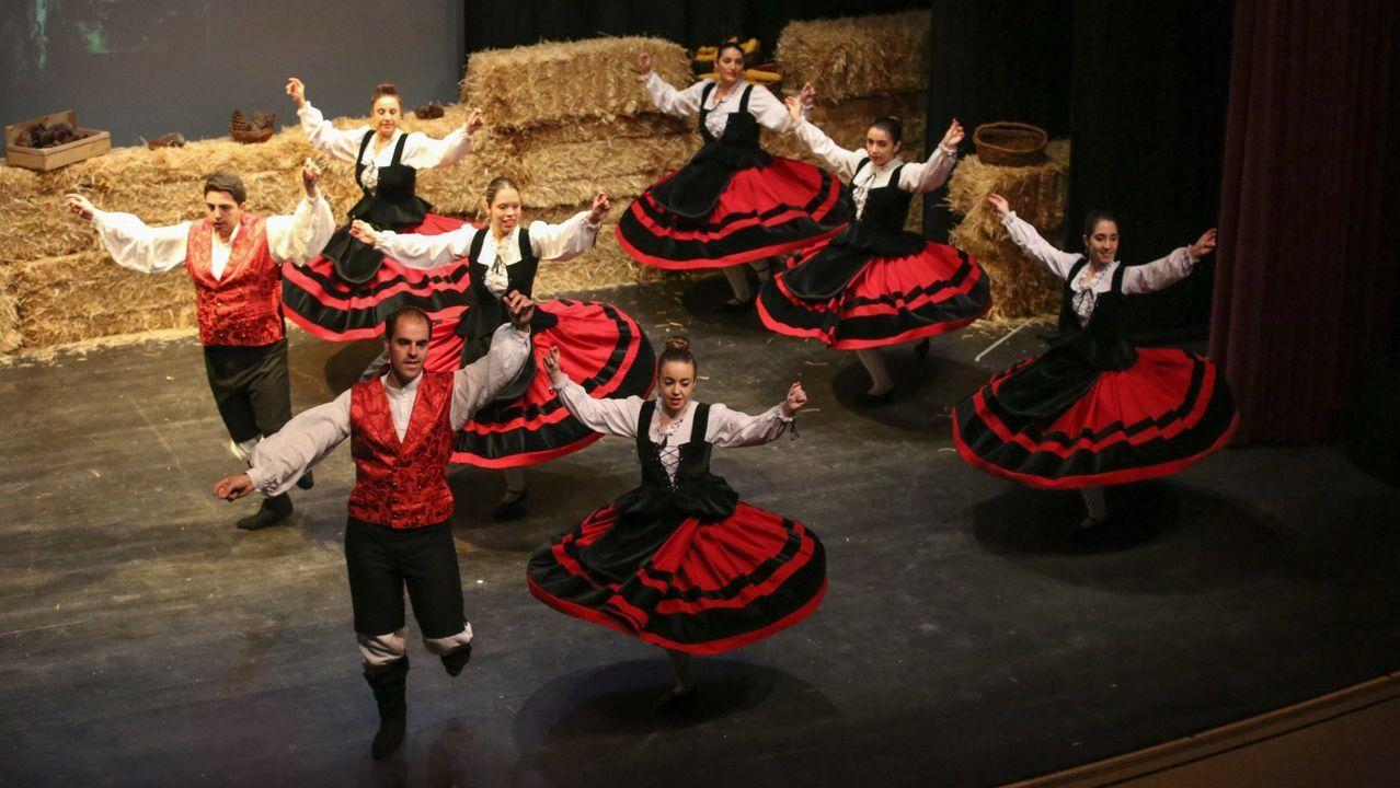 A muller do porvir.Encontro de baile galego Foliada do Río Grande, celebrado en Vimianzo