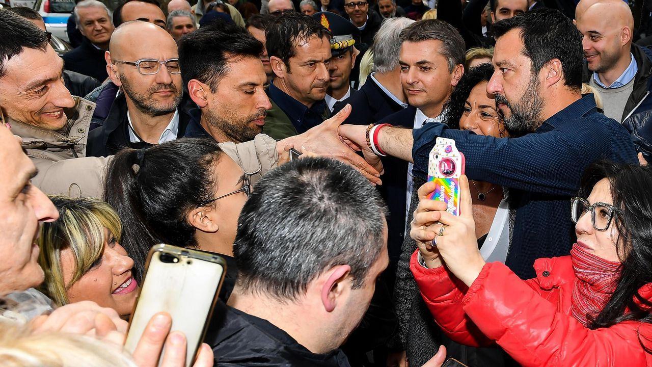 Salvini estuvo con los damnificados del derrumbe del puente Morandi, en Génova