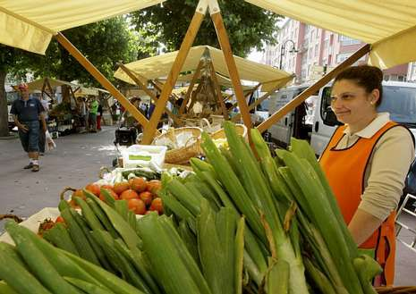 También ayer se repitió en Ribadeo un Mercado dos Domingos.