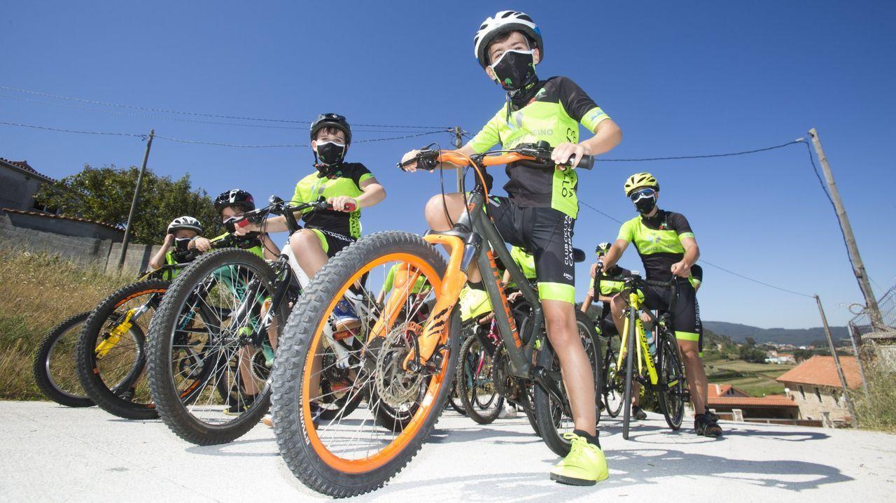 El Duatlón de Reis en imágenes ¡repásalas!.Protección Civil de Valga, el grupo de emergencias de Padrón, el 061 y Tráfico acudieron a cubrir el accidente del ciclista