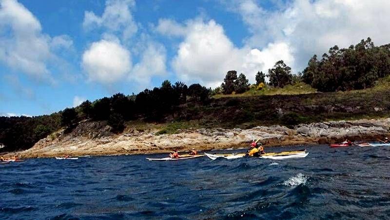 Rescatado el piragüista extraviado ayer mientras disputaba una competición en Viveiro