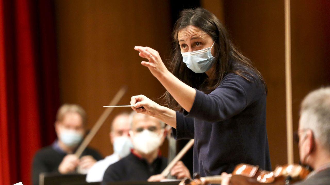 Joana Carneiro ensalza a los músicos de la Filharmonía