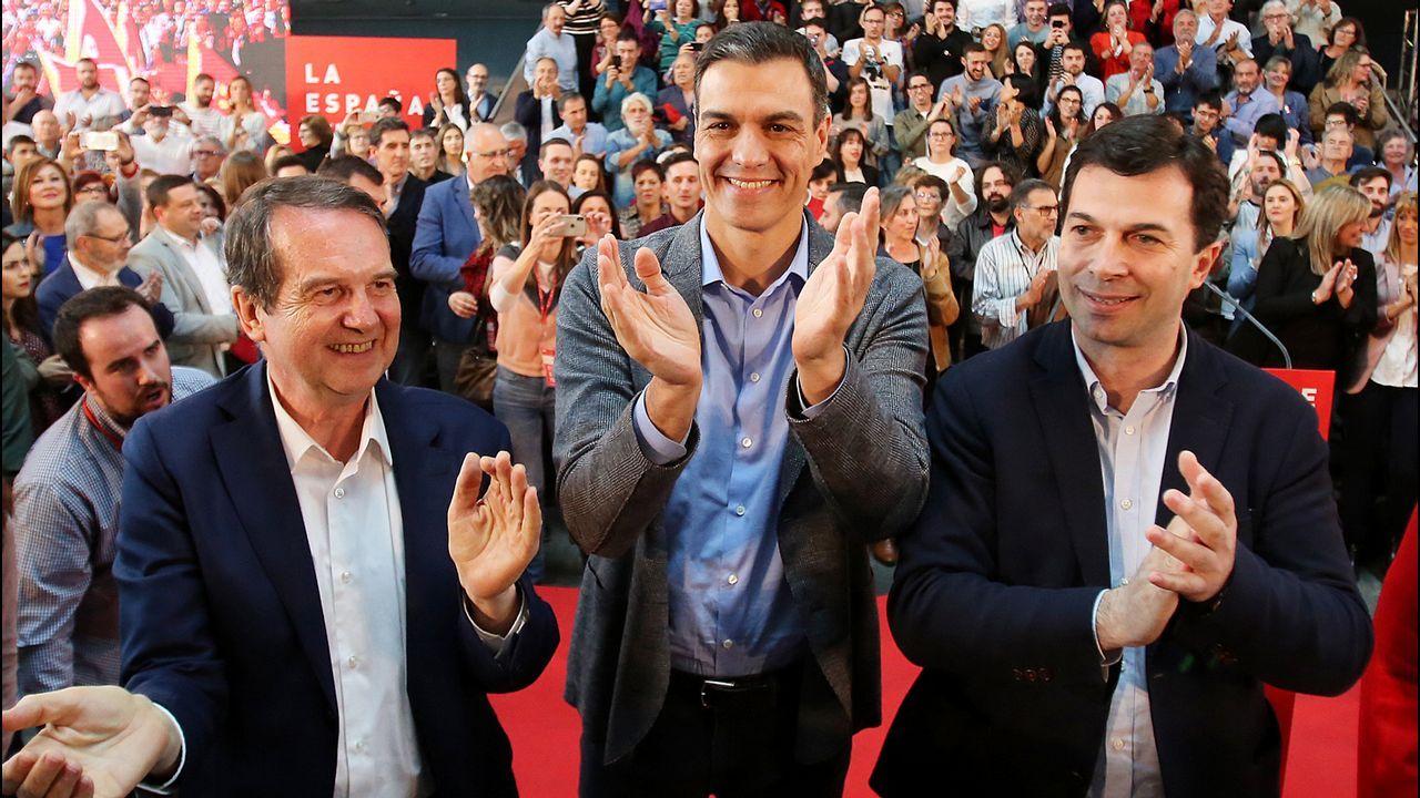 Abel Caballero, Pedro Sánchez y Gonzalo Caballero, en un mitin celebrado en Vigo