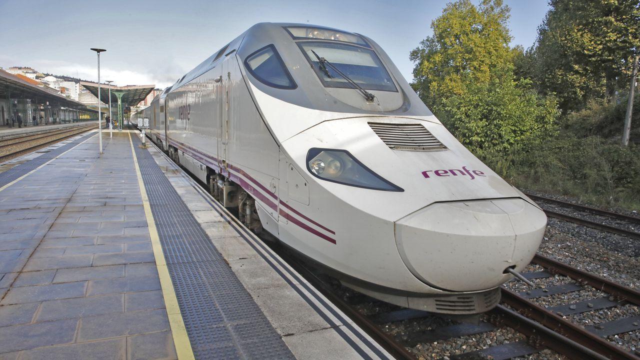 Alvia que sale de la estación de Lugo por las mañanas con destino a Madrid
