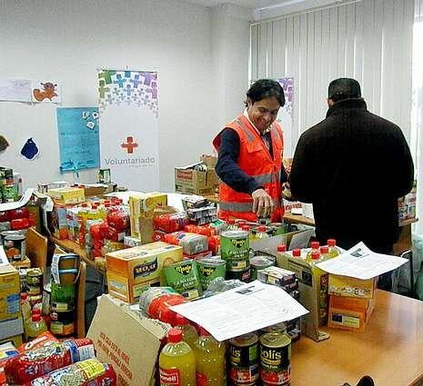 Cruz Roja entregó vales de alimentos a 405 personas.