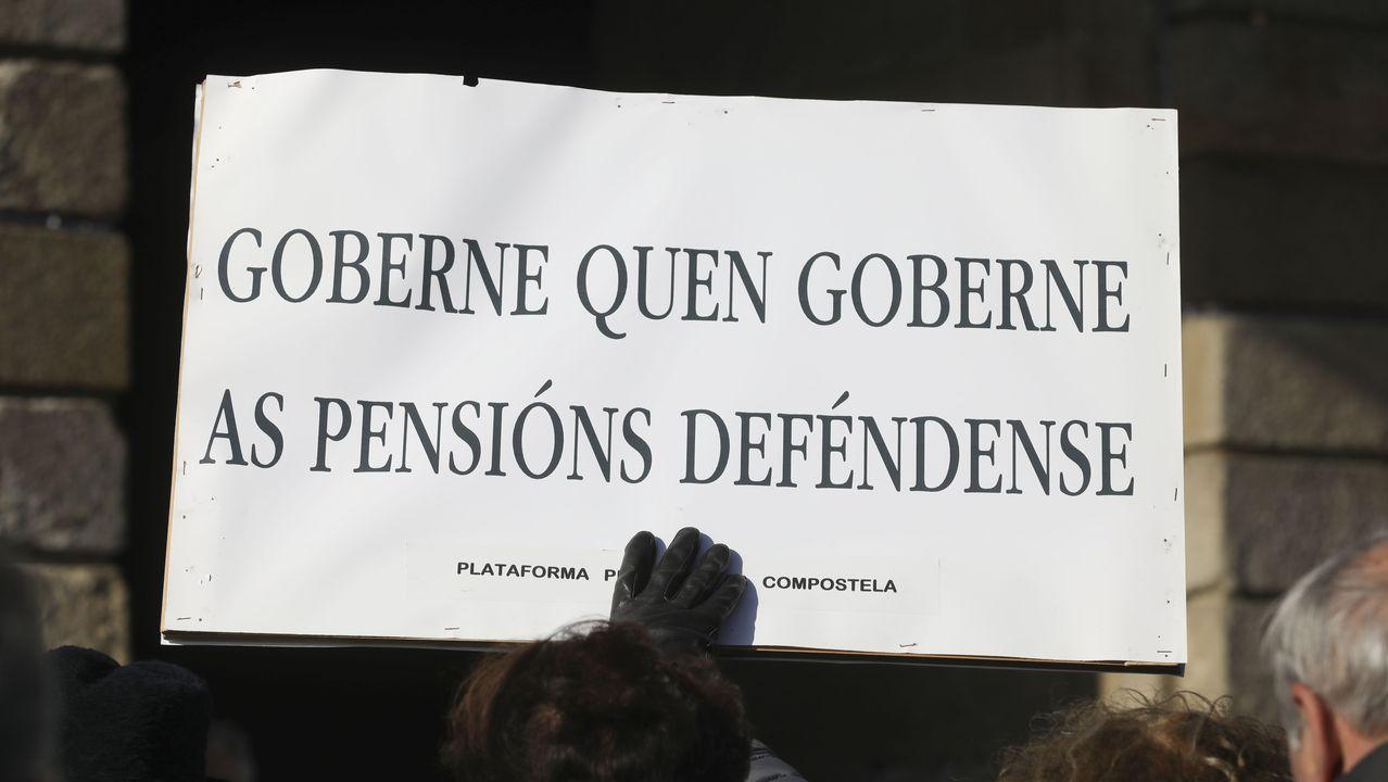 Pedro Sánchez comunica la composición del nuevo Gobierno de coalición.Pilar Cancela, en una reunión en la sede del PSOE
