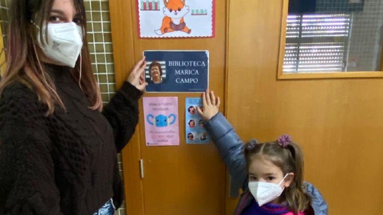 La biblioteca del centro educativo ha recibido el nombre de la escritora Marica Campo, natural de O Incio