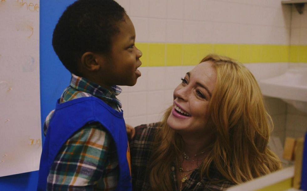Así fue la agresión que sufrió Lindsay Lohan.Lindsay Lohan, durante en su prestación de servicio comunitario.
