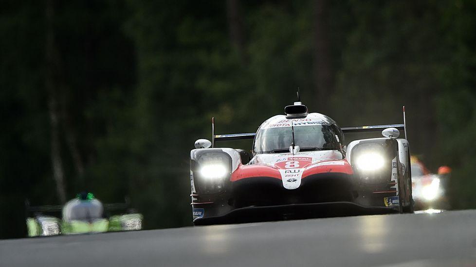 El Toyota de Fernando Alonso en sus primeros momentos al volante en Le Mans