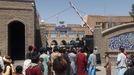 Milicianos talibanes entran en la sede del gobierno provincial de Herat.