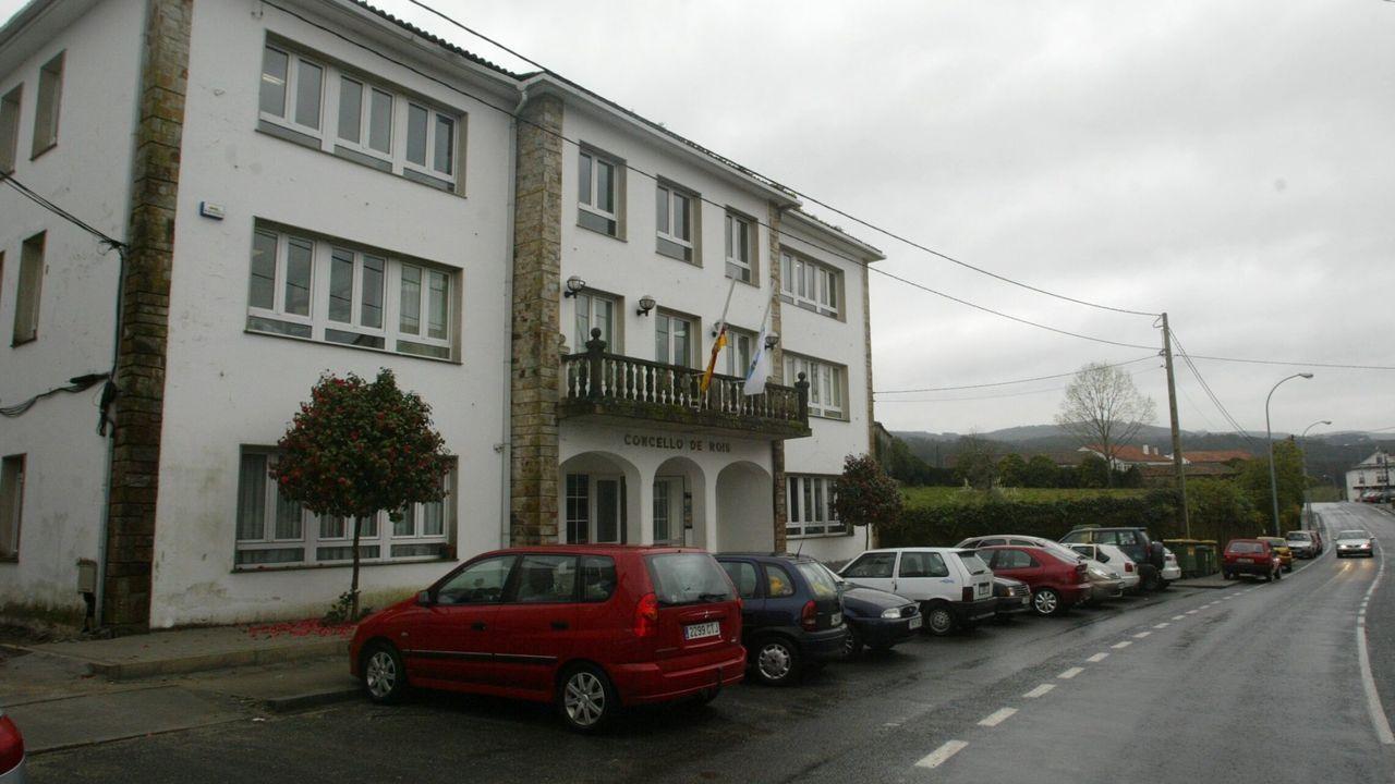 Casa do Concello de Rois en una imagen de archivo