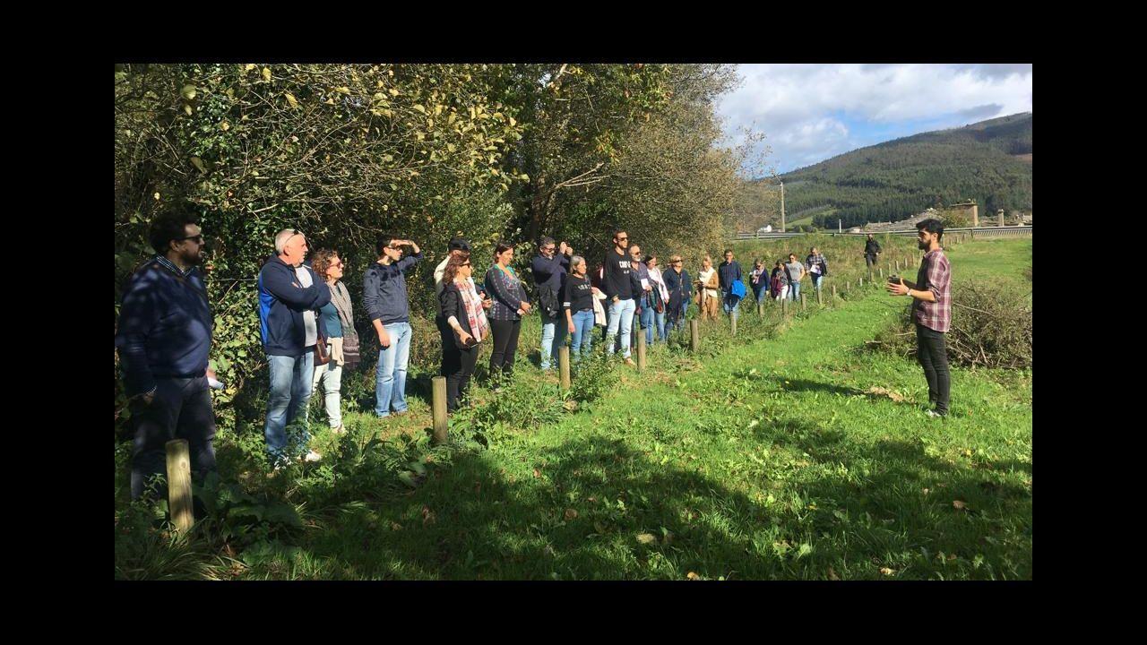 Preparativos de la mesa electoral en Burela, donde el próximo domingo habrá elecciones municipales