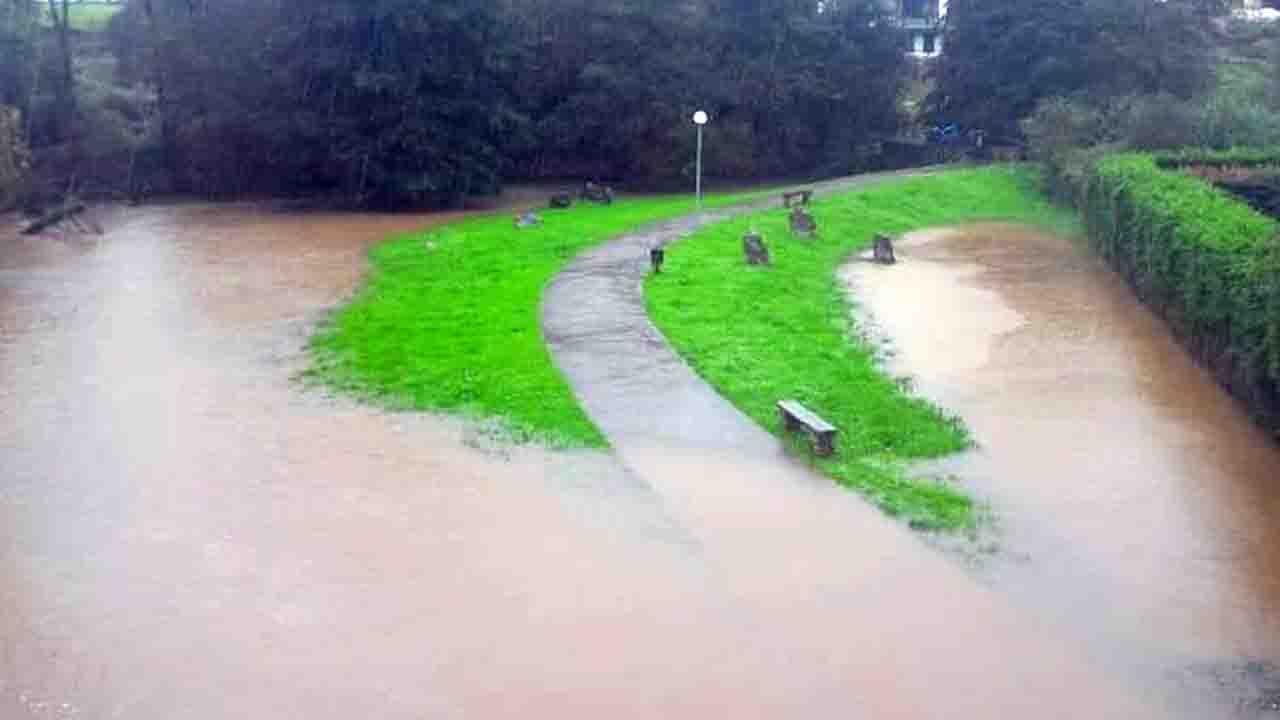 La senda, inundada en Pancar (Llanes)
