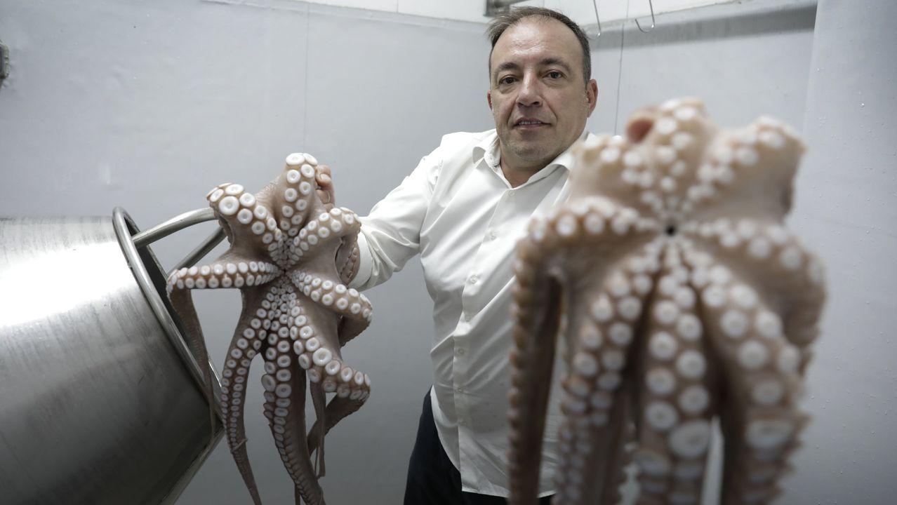 Rafael González, de la pulpeira A Nova Lanchiña