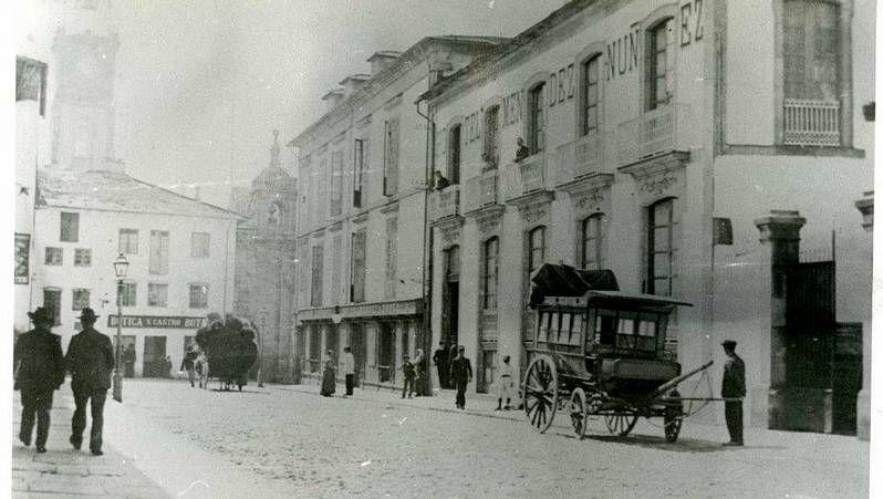 Edificio de la Fonda Merlán, el primer negocio de la zona que recomendó la guía Michelin.