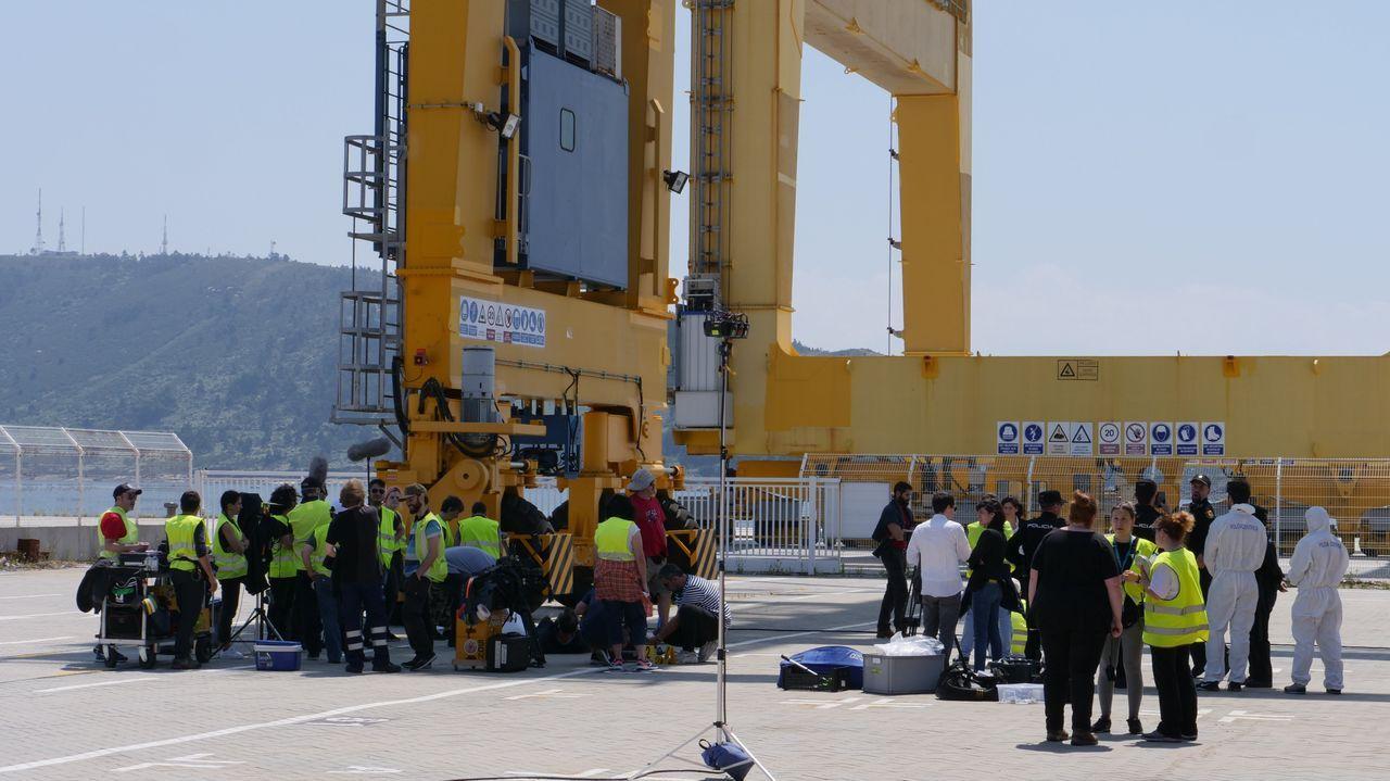 escenarioses.Grabación de «A estiba» en el puerto de Ferrol. En la ciudad departamental se grabó en las radas de Curuxeiras y en las terminales de contenedores de Caneliñas y Novoa Santos