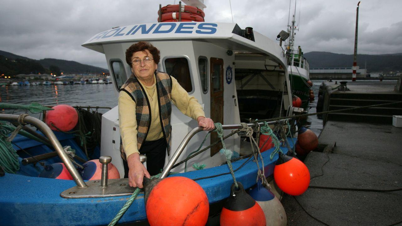 La vida de Felipe de Edimburgo, en imágenes.Rolindes, en noviembre del 2007, en el pesquero bautizado con su nombre, en el que faenaba