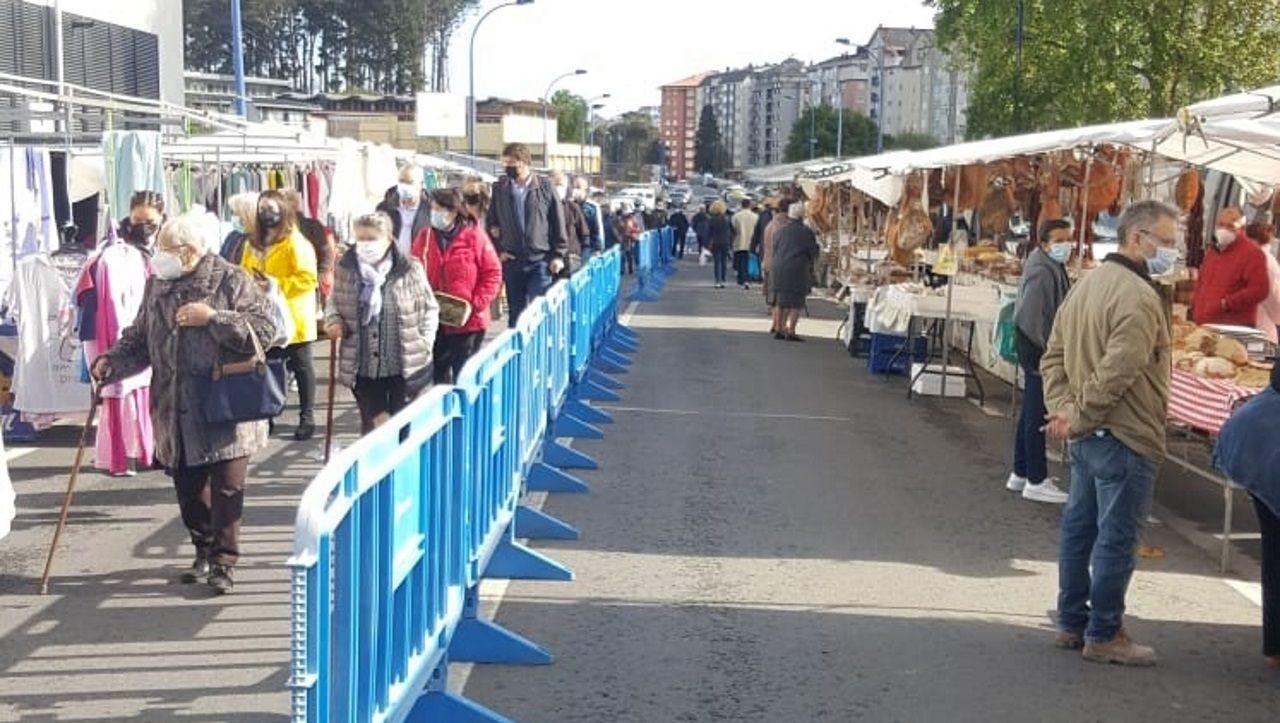 Más de cien puestos participan en el feirón de Culleredo