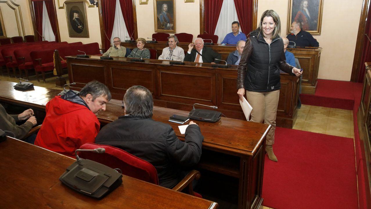 La alcaldesa de Lugo, Lara Méndez, se reunió con los integrantes de la plataforma Muro, que defiende el museo de la romanización en el cuartel de San Fernando