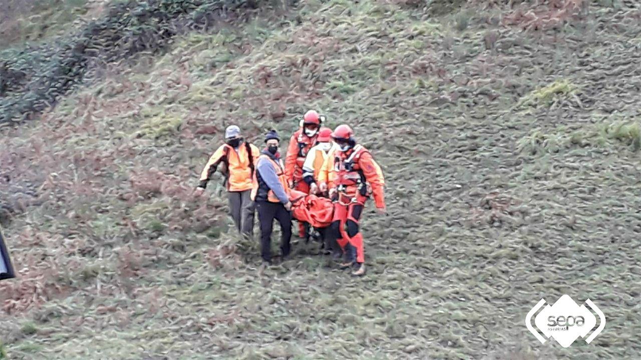 Rescatado un cazador tras ser herido por una bala en Lena