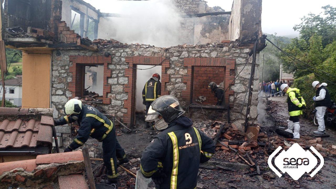 Estado de la vivienda de Laviana tras extinguir las llamas
