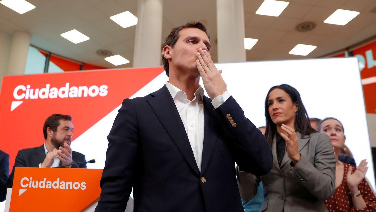 Núñez Feijóo: «Sánchez nos ha metido en un lío mayor que en el que estábamos».El adiós de Albert Rivera a la política