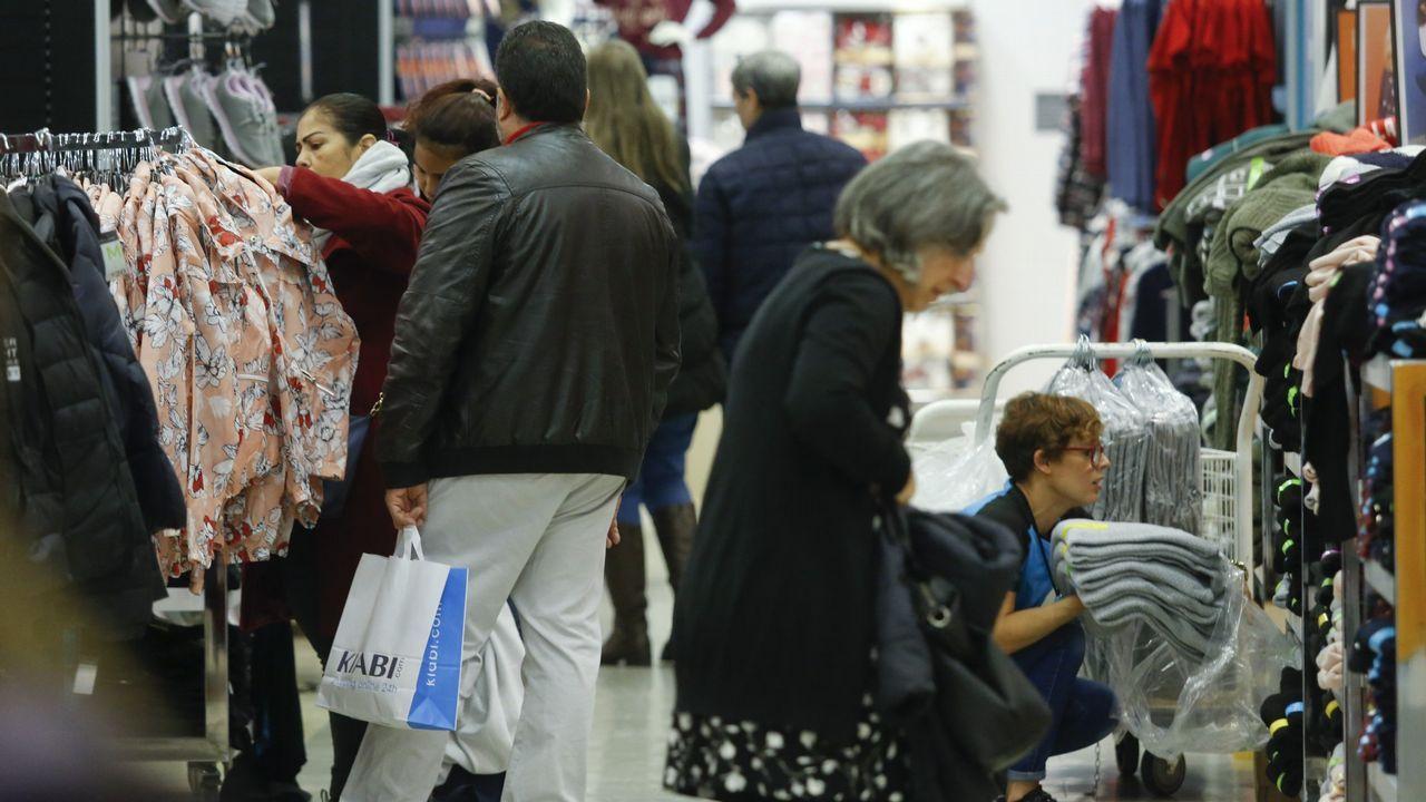 El comercio es uno de los sectores que favorece la bajada del paro en diciembre