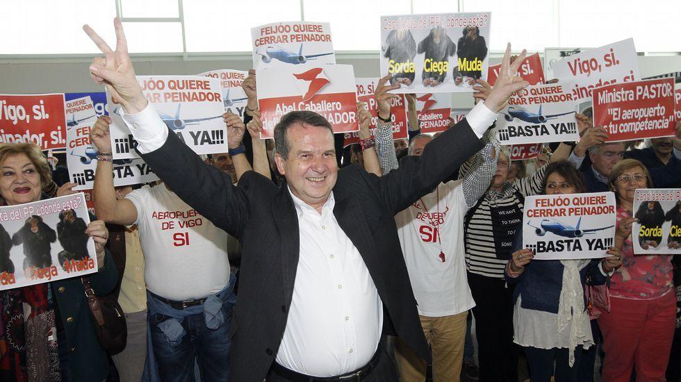Abel Caballero montó un show en Peinador para intentar sacar provecho electoral de la crisis del aeropuerto