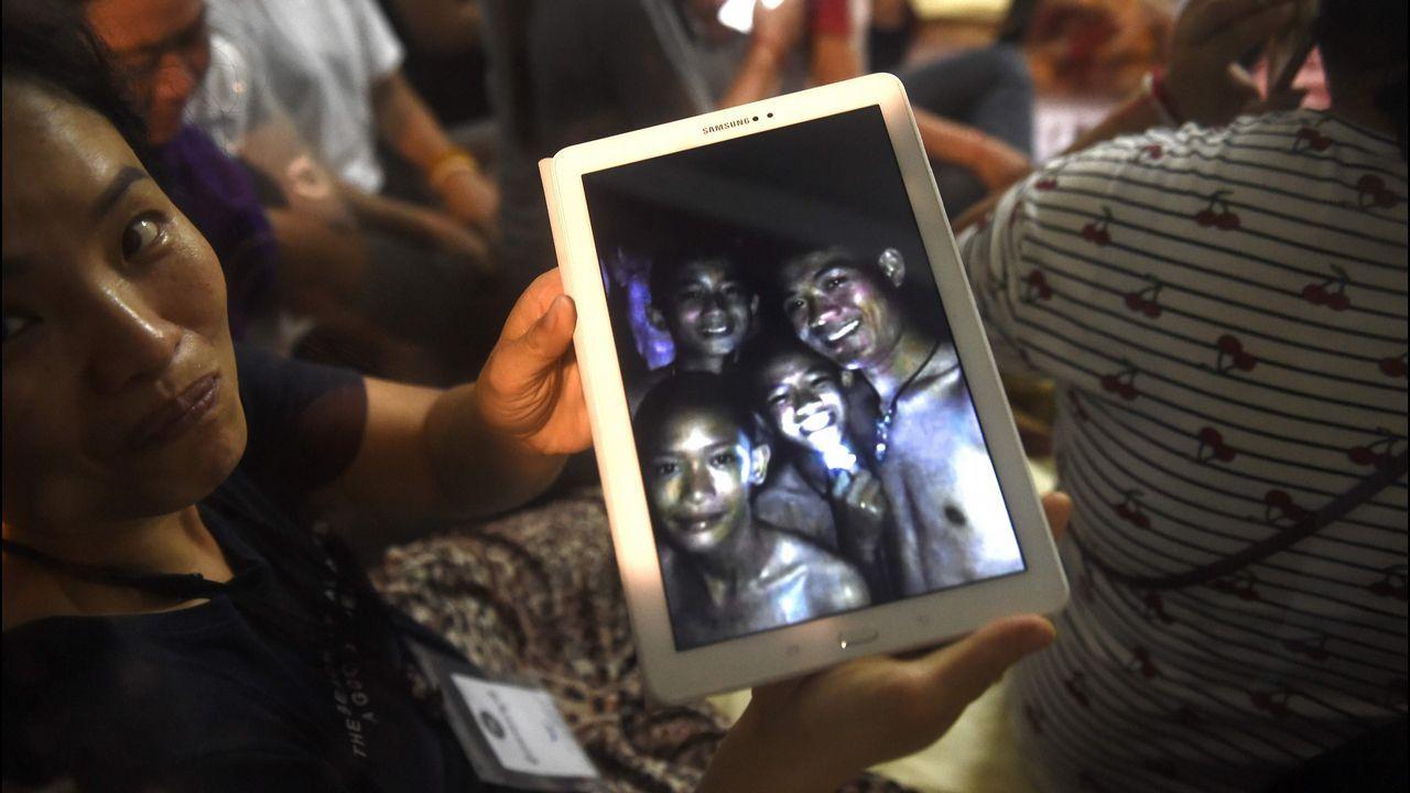 Los menores atrapados se han podido comunicar con sus familias.
