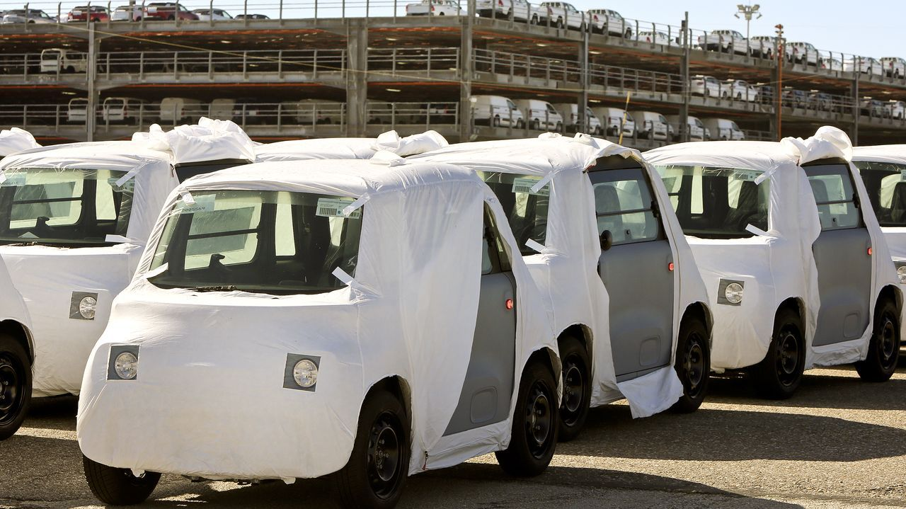La nueva fábrica de PSA en Marruecos (Kenitra) ya está a pleno rendimiento: produce el modelo AMI de Citroen. PSA usa el puerto de Vigo como terminal de descarga