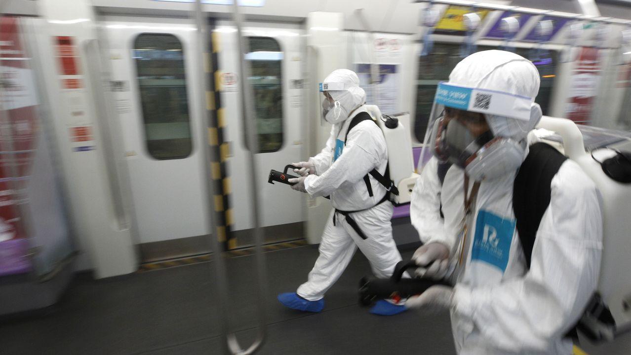 En Tailandia llevan a cabo labores de desinfección del transporte público