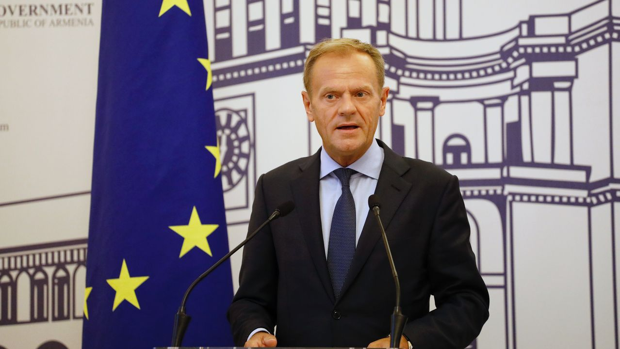 El presidente del Consejo, Donald Tusk, respondió a la carta de Johnson, en la que pedía a la UE, por primera vez oficialmente desde que está al frente del Gobierno, llegar a un acuerdo que no contemple la salvaguarda irlandesa.