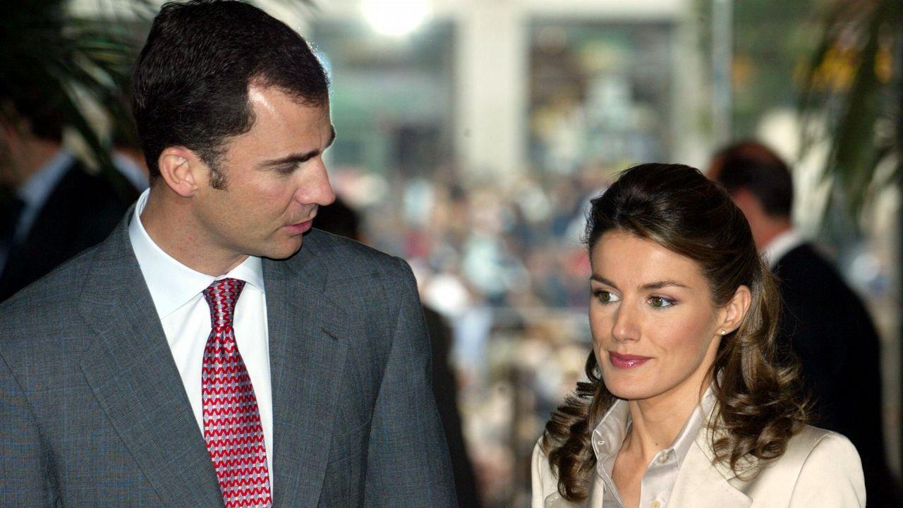 2004. Visita Del Príncipe de Asturias, Felipe De Borbon y su prometida Letizia Ortiz a la sede de la Comunidad de Madrid