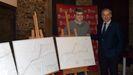 El autor del proyecto, Héctor Diéguez, y el presidente de la Diputación, José Tomé, con los planos de los nuevos accesos al pazo de Tor