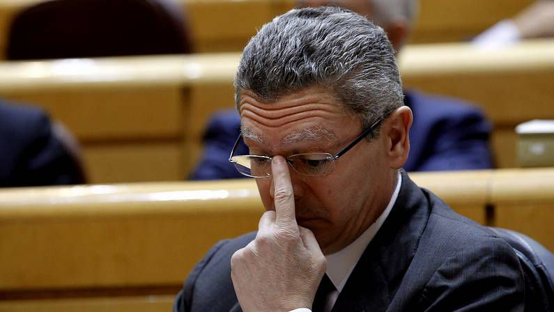 La fórmula de Cañete para ganar las europeas: «Pico y pala y mucho móvil».Fernández Vara, presidente del Grupo Socialista en el Parlamento de Extremadura