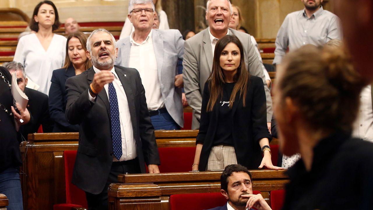 El diputado de Ciudadanos Carlos Carrizosa, durante la tensa bronca entre diputados independentistas y la bancada de Ciudadanos en el debate de política general en el Parlament